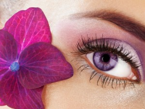 Coloured Lenses are becoming a popular fashion trend