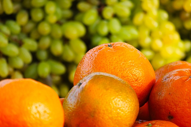 Vitamin C rich fruits helps body to absorb iron from food